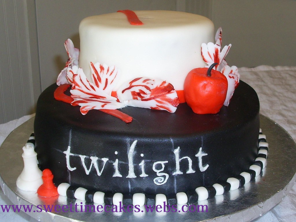 Twilight I Made This Cake For My Little Sisters Birthday P Flickr