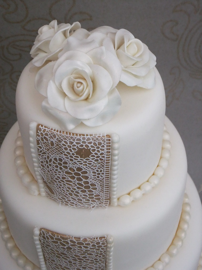Roses, pearl and lace | Wedding cake dummy, it\'s an idea I\'v… | Flickr