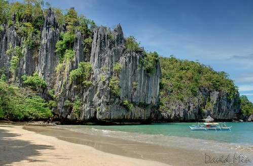 Sabang (Palawan Island), Philippines - Rock formations at a beach on the way to the underground river | by GlobeTrotter 2000