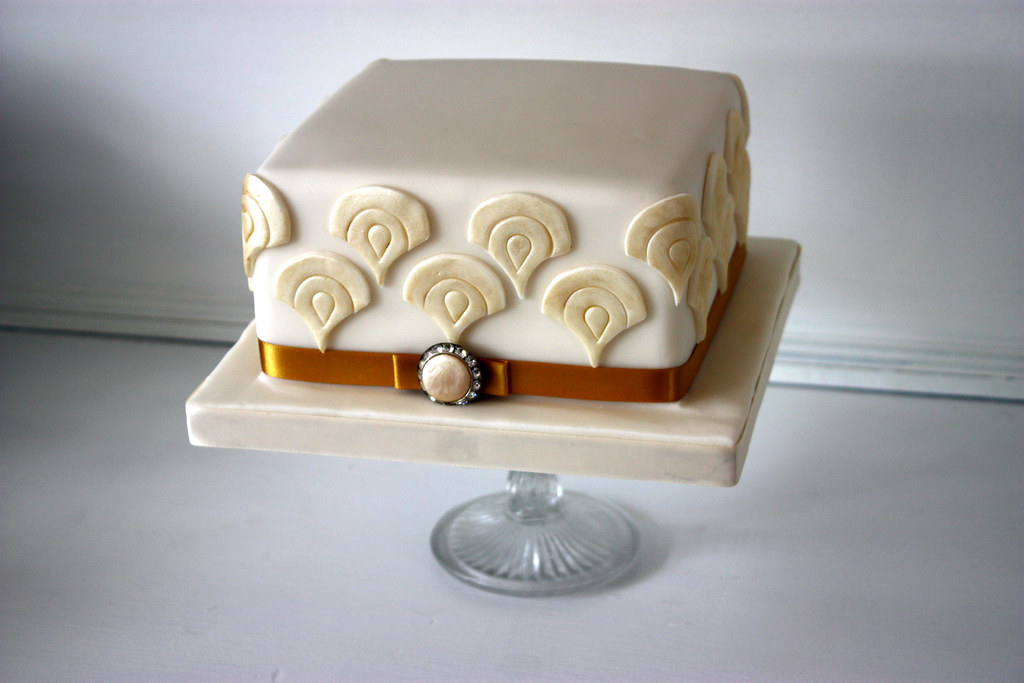 Art Deco Birthday Cake The Story Behind This Cake Is So Sw Flickr