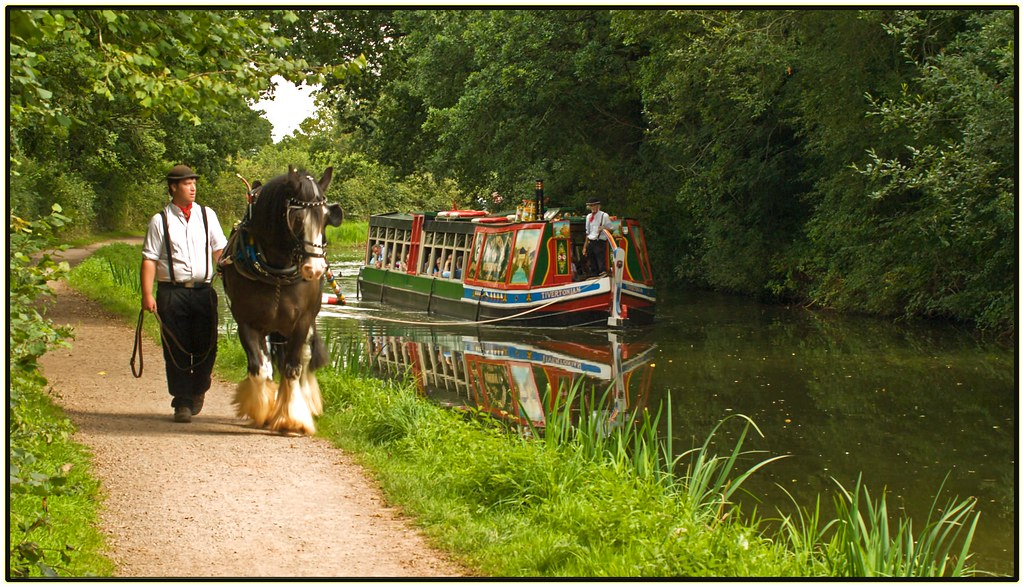 Horse Drawn Barge This Horse Drawn Barge Passes My