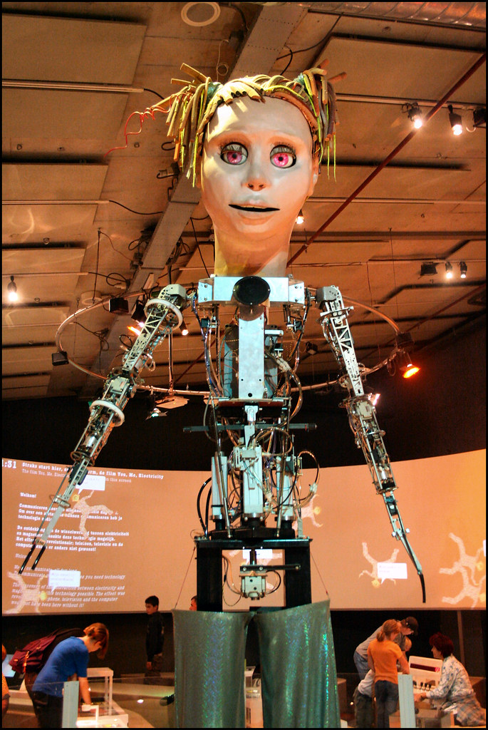 Elektra At Nemo Very Tall Animated Figure In The Nemo Scie Flickr