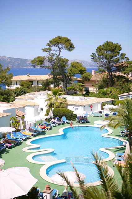 Piscina mal pas hotel flickr photo sharing - Piscina coberta l alcudia ...