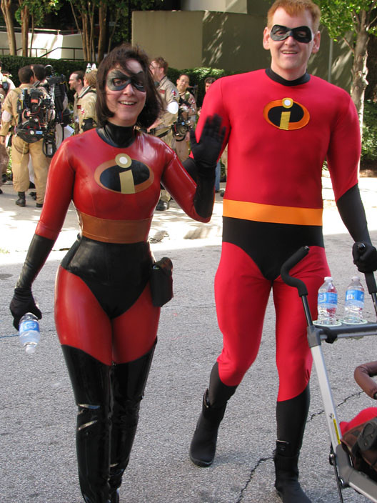090410_DragonCon_009 | by StudioBueno 090410_DragonCon_009 | by StudioBueno  sc 1 st  Flickr & 090410_DragonCon_009 | Mr. and Mrs. Incredible! | Andrew Willmore ...