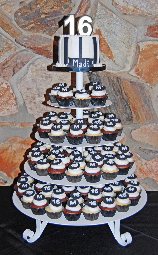 Sweet 16 Black And White Cupcake Tower Dana Brown Flickr