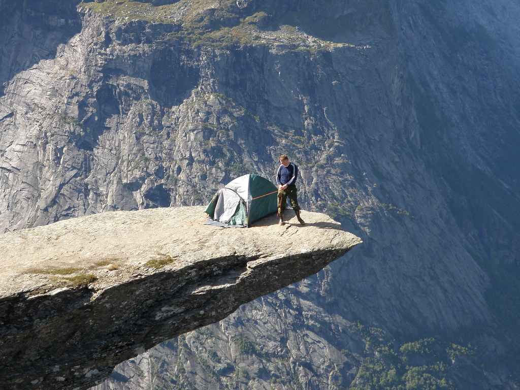trolltunga norway camping places odda troll tongue tents rock near flickr hiking camp nearby place ledge tent edge outdoor hordaland