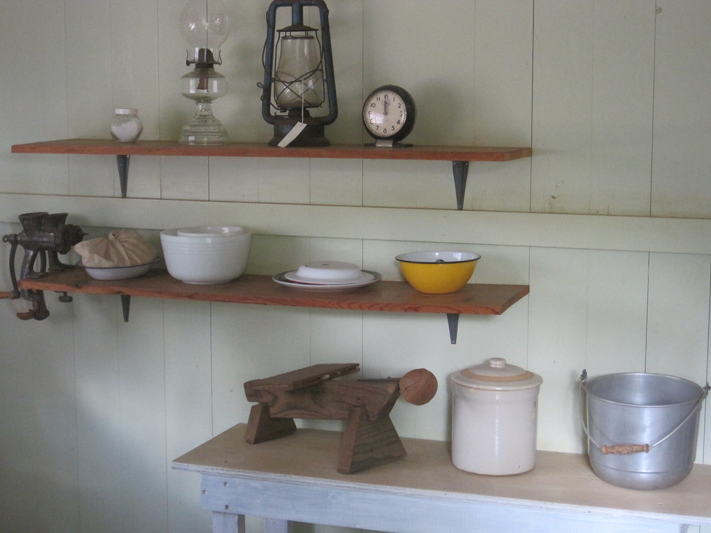 Kitchen Scraper White