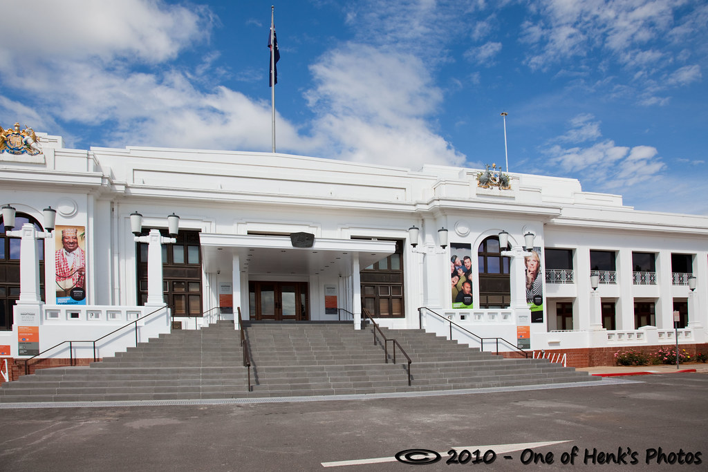Old parliament house until 1988 parliament housed in the for Classic house 1988