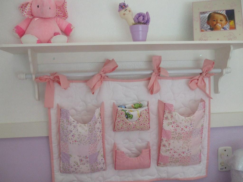 Quarto de bebê  Prateleira e portafraldas  Fernanda Moraes  Flickr