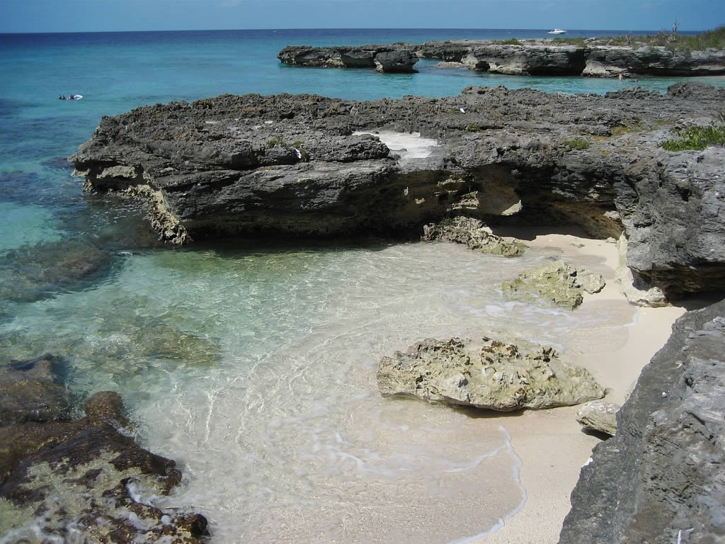 Cayman Islands Company Terminations Outweigh New Registrations