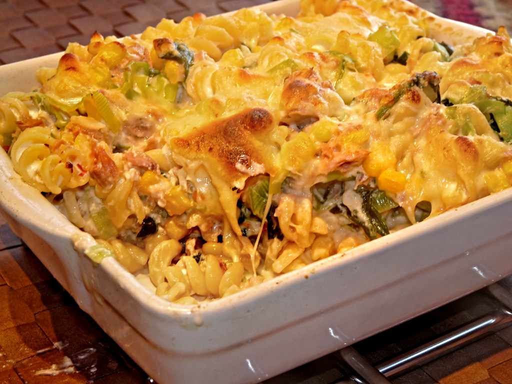 how to make tuna and sweetcorn pasta bake