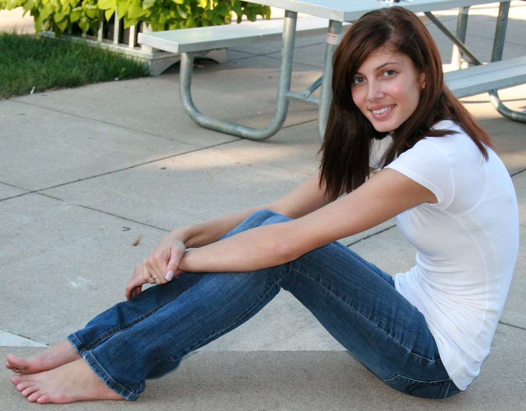 Blue Skinny Jeans, Barefoot, White Top, Smiling  7-10 -9321