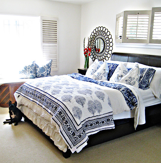 Blue And White Mixed Floral Print Bedding Letherette Bed F