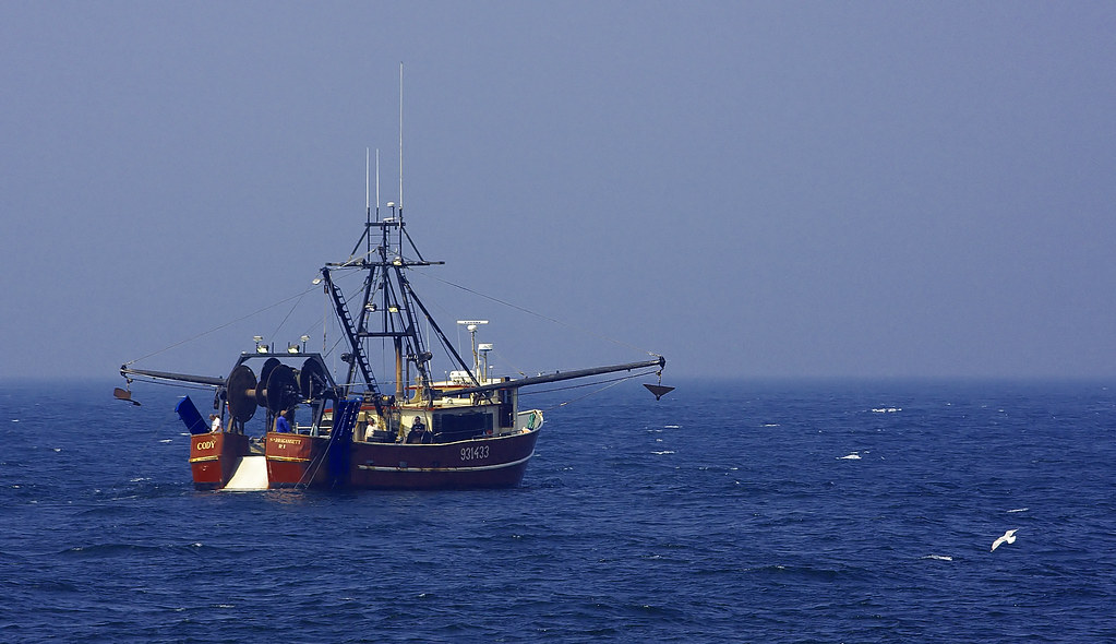 Fishing boat off coast of rhode island bill powell flickr for Fishing in rhode island