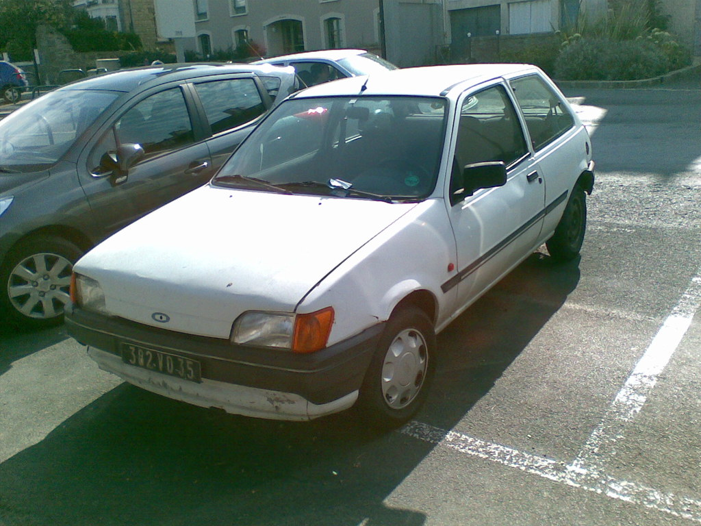 ford fiesta mk3 photograph taken in st malo france sept flickr. Black Bedroom Furniture Sets. Home Design Ideas