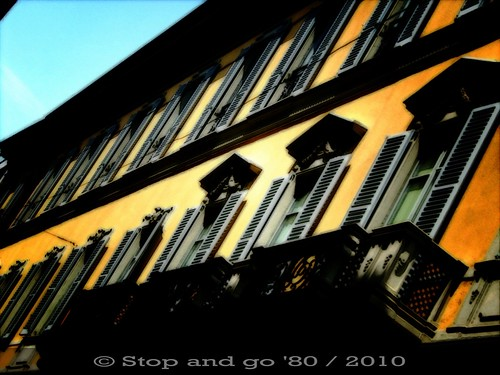 in una strada del centro di Milano | by Stop_and_go_'80