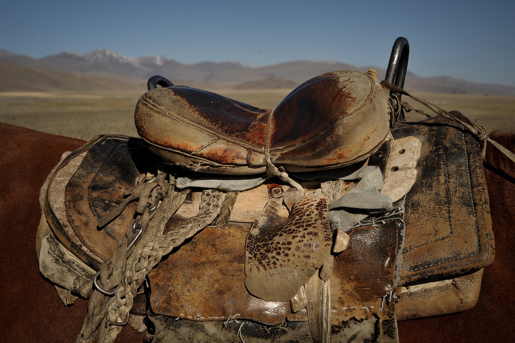 the mongolian saddle and how to make it
