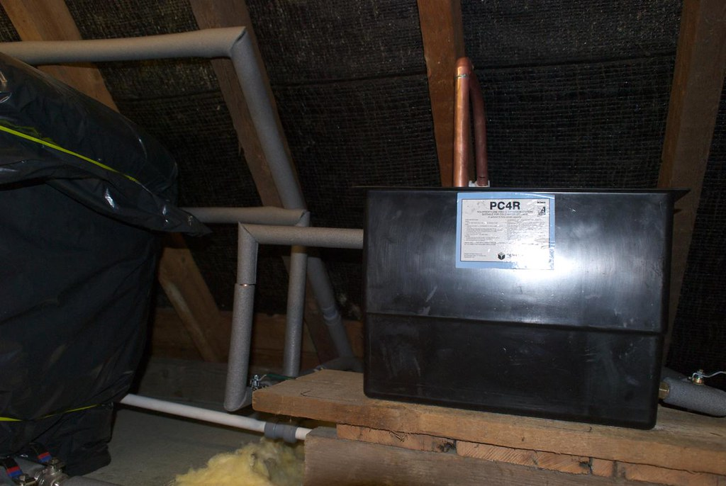 feed and expansion tank | peplers.blogspot.com | Mike Pepler | Flickr