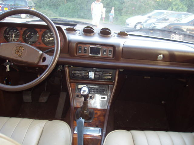 Peugeot 504 coupe 1979 inside willem s knol flickr for Interieur 504 coupe