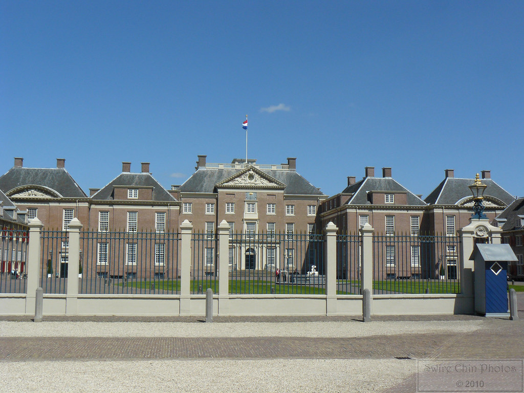Dutch baroque architecture don 39 t be fooled by paleis het for English baroque architecture