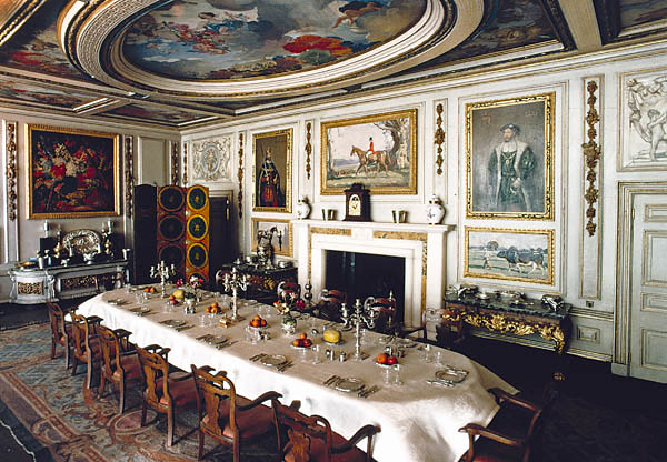 The Dining Room In Queen Mary S Dolls House The Dining Ro Flickr