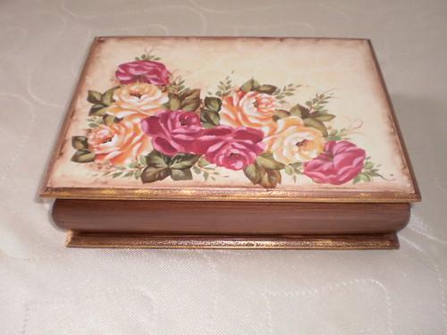 Caixa porta j ia rosas caixa em mdf com pintura for Pintura decorativa efeito 3d