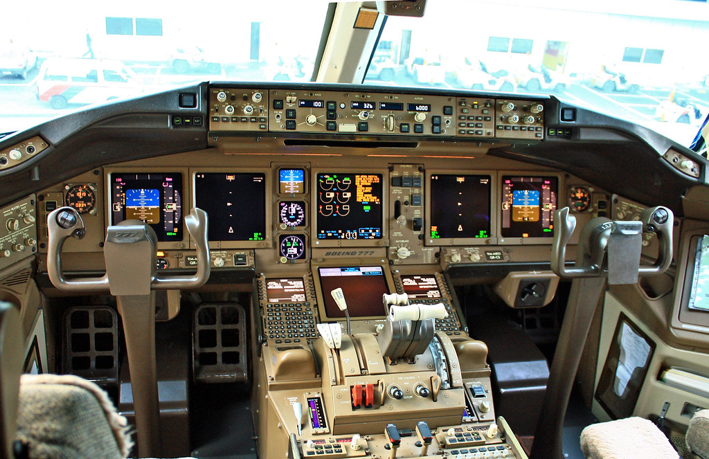 B777 200 Flight Deck The Photo Was Taken After The