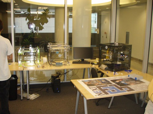 34 conference room and 3d printers | by Maui Makers