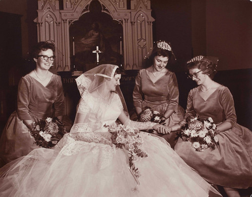 1950s Bride And Bridesmaids Photo By Strands Studio Of Rug