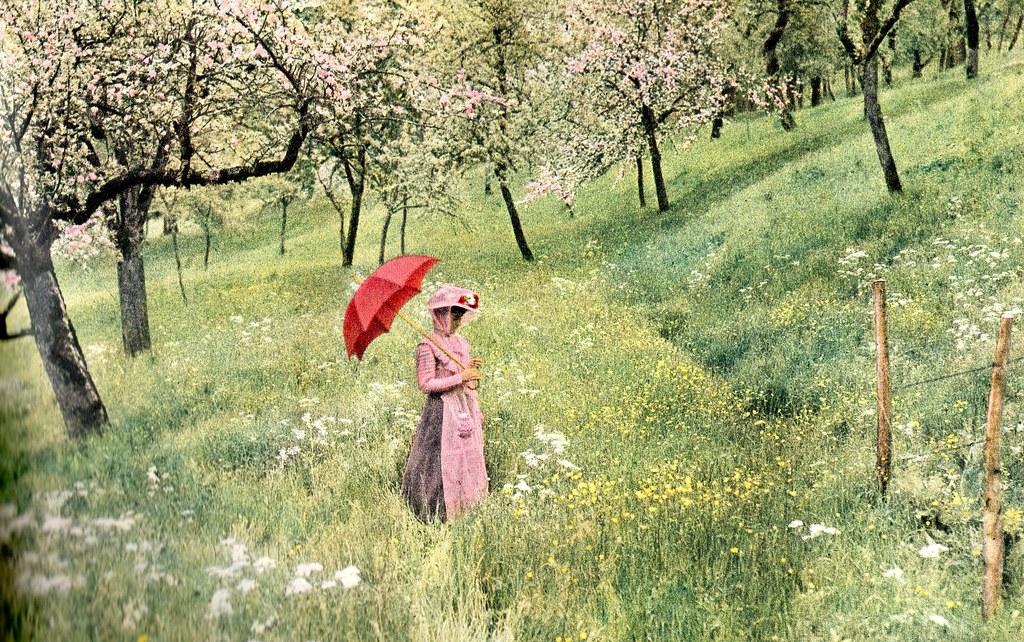 Lumière autochrome-La femme à l'ombrelle