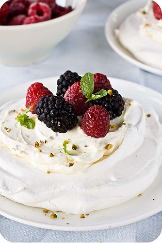 Pavlova | by La Patissiere