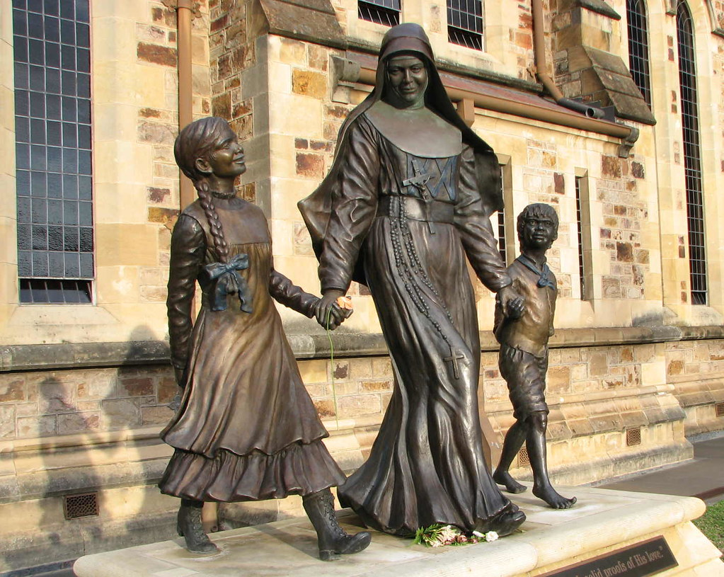 Saint Mary MacKillop S10317 | Sculpture of St Mary ...