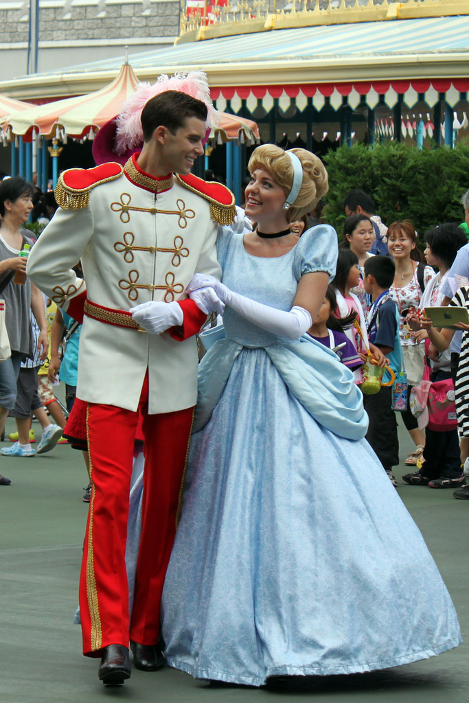 Cinderella and Prince Charming leave for the parade   Flickr