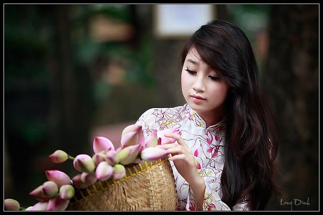 diu-dang-net-dep-cua-sen-giua-long-Ha-Noi-2