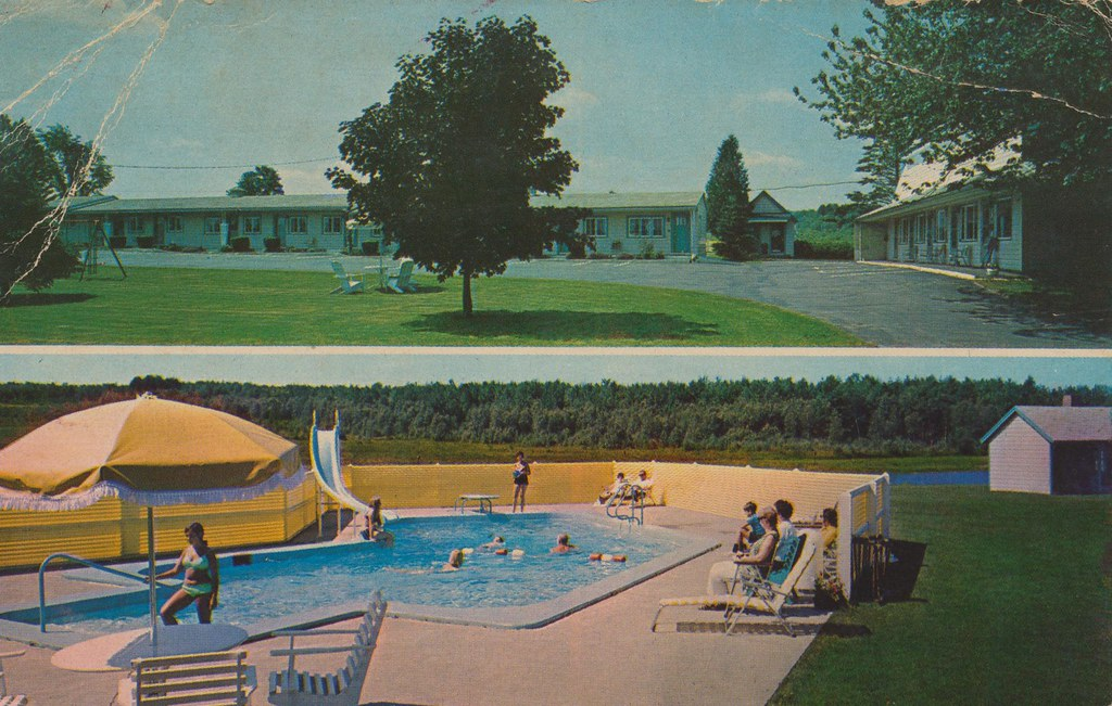 Breezy Acres Motel - Skowhegan, Maine