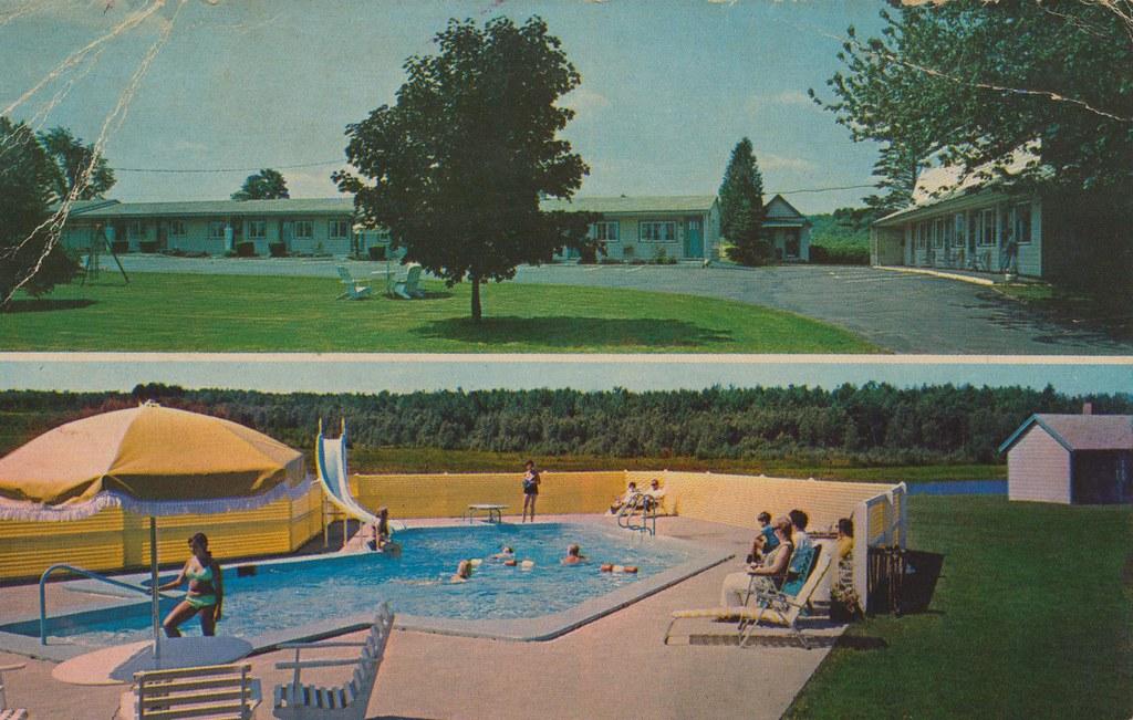 Breezy Acres Motel - Skowhegan, Maine