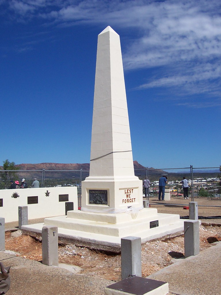 ANZAC Memorial monument, Alice Springs, Australia | Neil ...
