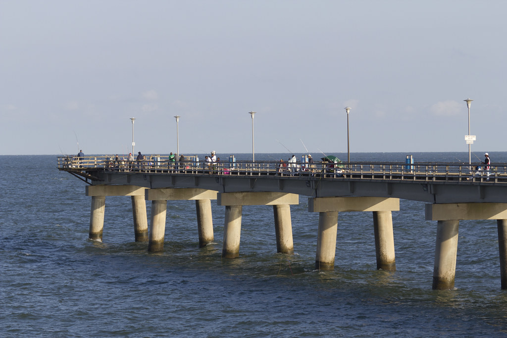 Fishing pier on chesapeake bay bridge tunnel on island for Chesapeake bay bridge fishing report