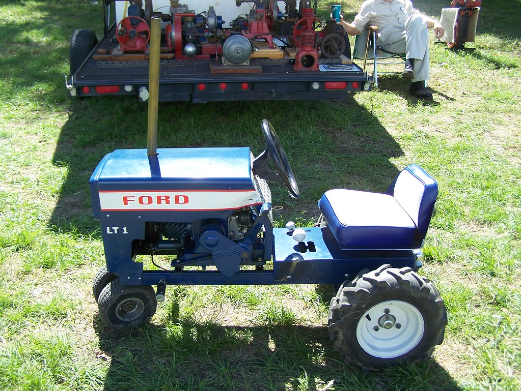 Used Ford Lawn Tractor : Vintage ford garden tractor gardens and tractors