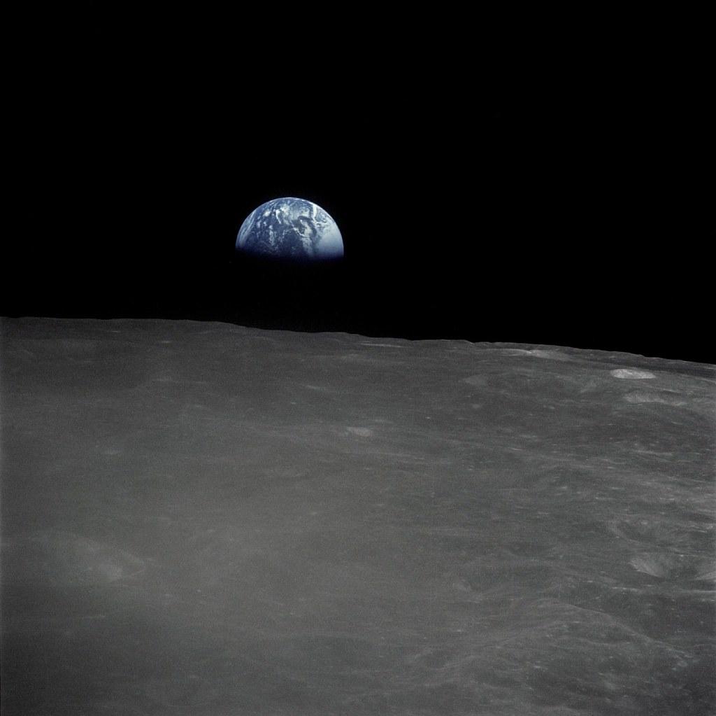 Earthrise - Apollo 16 | Description: The Apollo 16 crew ...