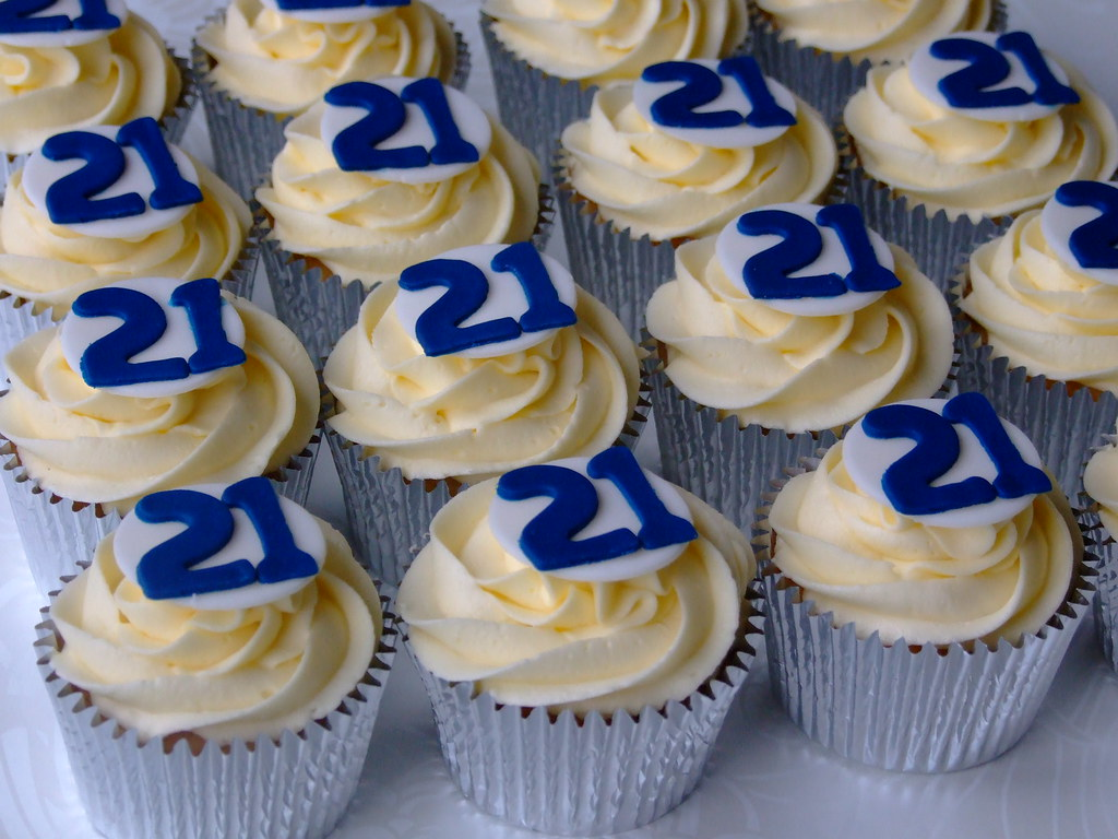 21st Birthday Cupcakes for Boys www.fairlycupcakes.co.uk ...