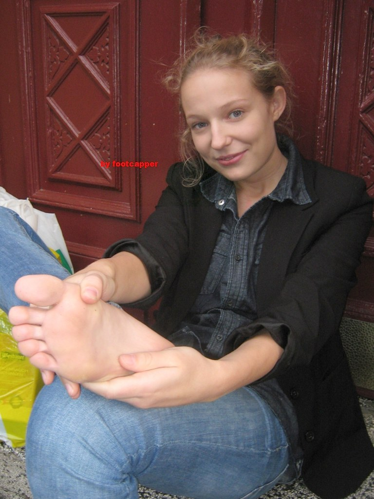 Feet Shots 040  Amelie 19 Yo My New Youtube Kwickme -9350