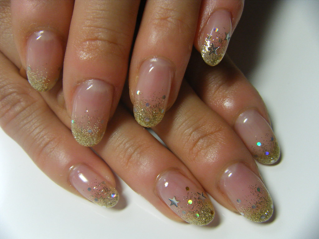 GEL NAIL: Simple Glitter fading effect | Negril Nail Art | Flickr