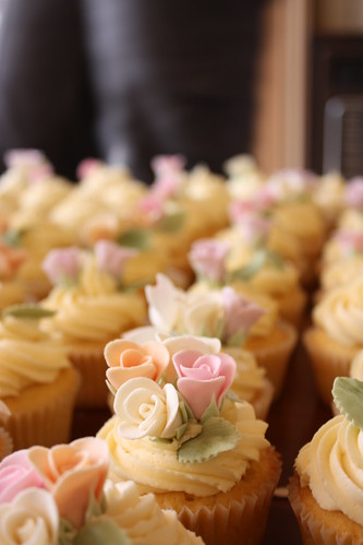 Vintage Rose Wedding Cupcakes 110 Cupcakes Each Piped