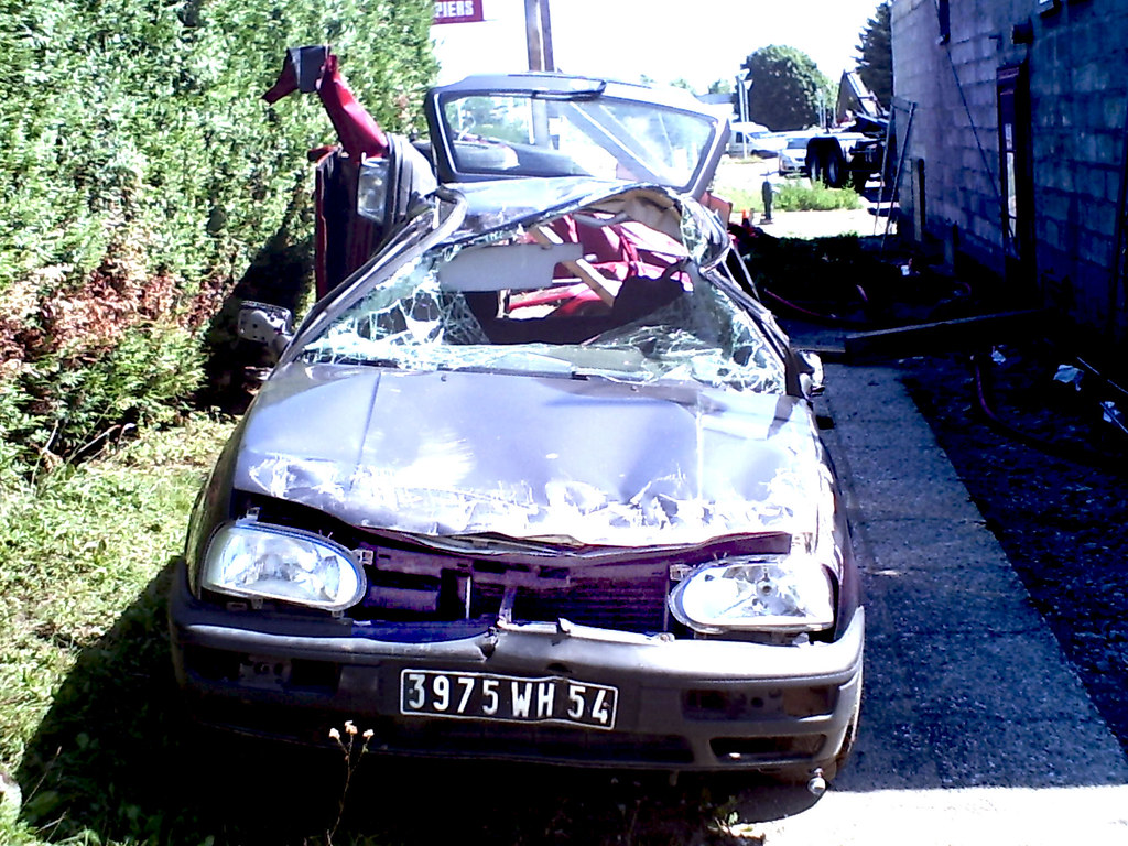 voiture accident my beautiful picture a digital toy camer alainalele flickr. Black Bedroom Furniture Sets. Home Design Ideas