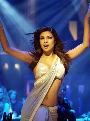 priyanka chopra in saree pink in dostana sexy navel and cl