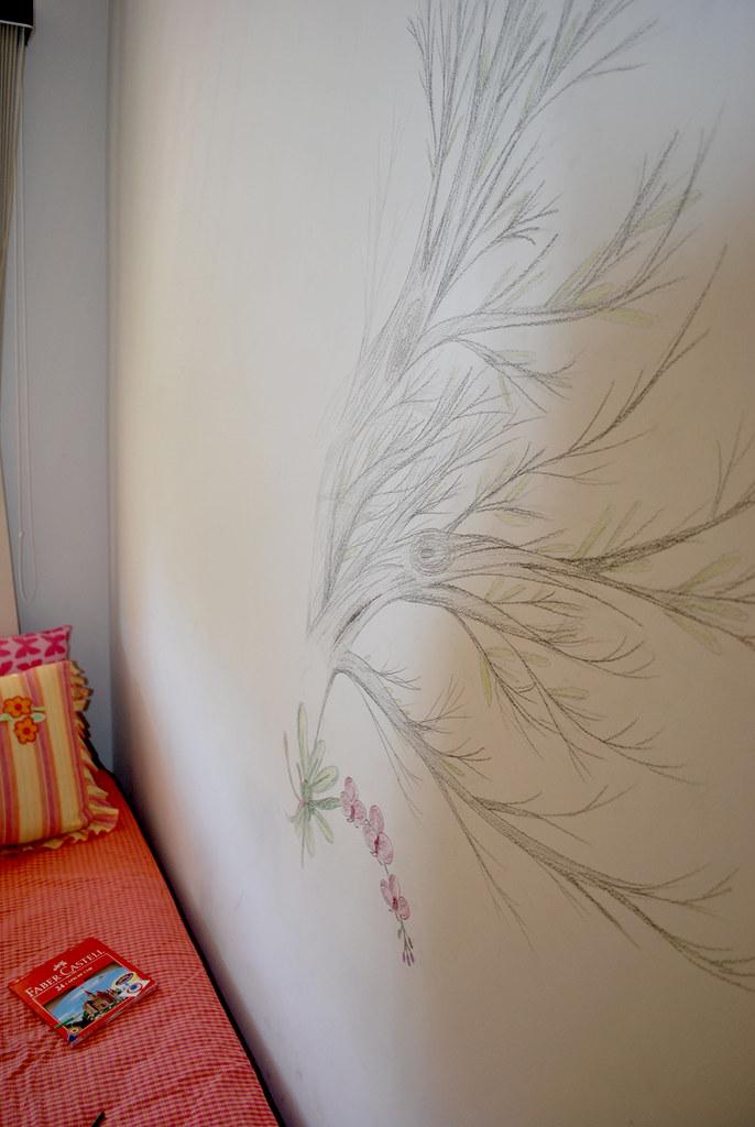 Desenho na parede do meu quarto - orquídea e árvore   Flickr