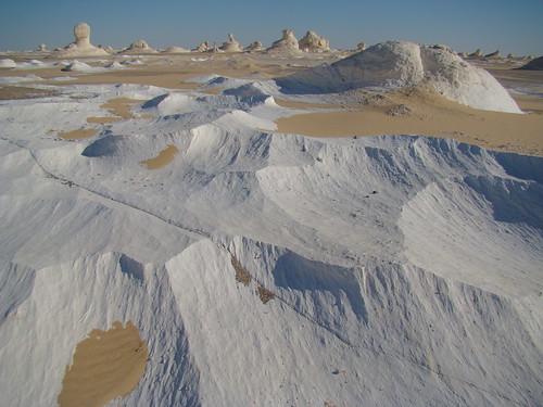 Acanaladuras eólicas - White Desert (Egipto) - 01