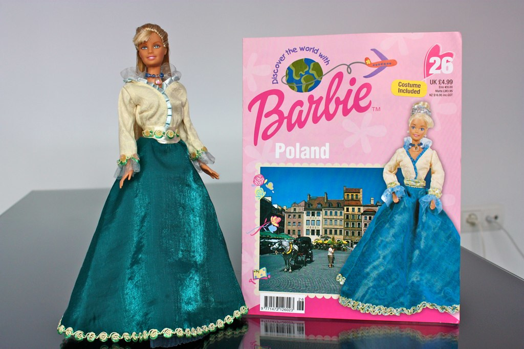 """""""Barbie discover the world"""" Poland outfit"""