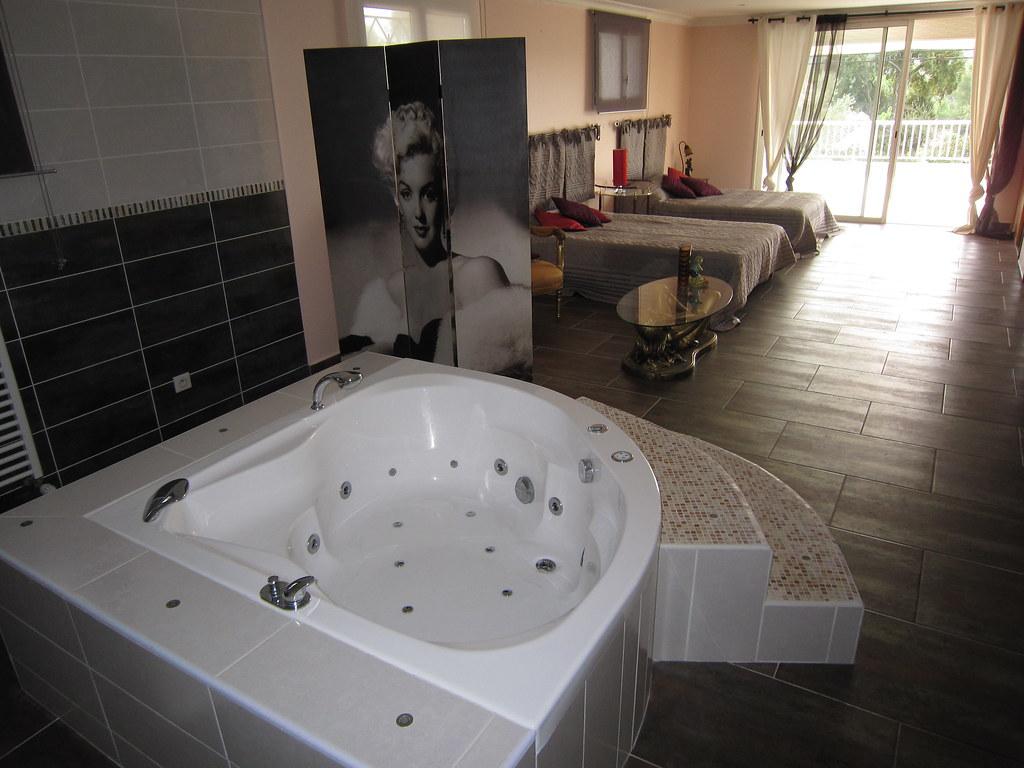 holiday rentals suite parentale 60m2 avec 2 lits doubles. Black Bedroom Furniture Sets. Home Design Ideas